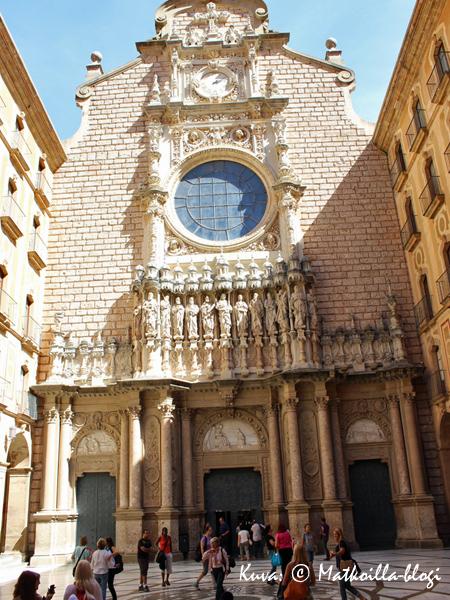 Montserrat_kirkko_2_Kuva_c_Matkoilla_blogi