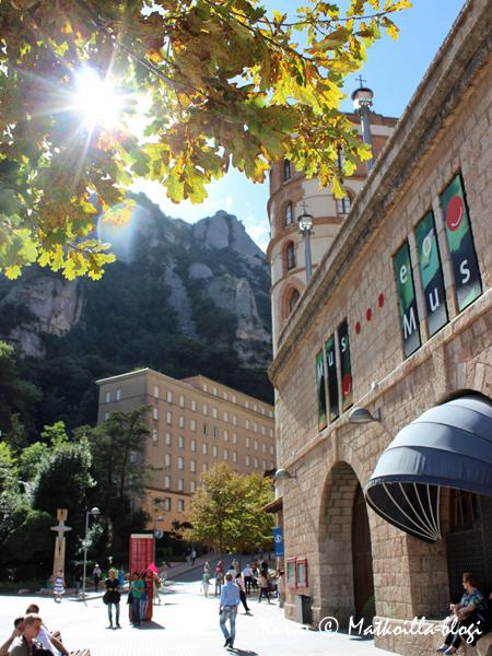 Montserrat_luostaripiha_4_Kuva_c_Matkoilla_blogi