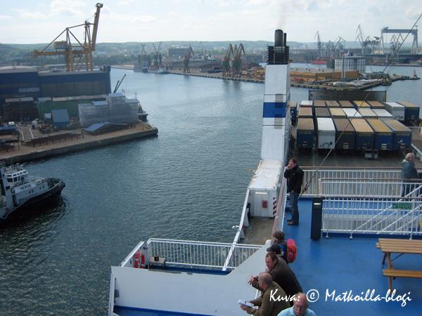 Saapuminen Gdanskin satamaan. Kuva: © Matkoilla-blogi