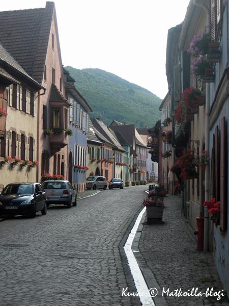 """Illansuussa saavuimme """"kotikyläämme"""" Alsacessa, Kientzheimiin. Kuva: © Matkoilla-blogi"""