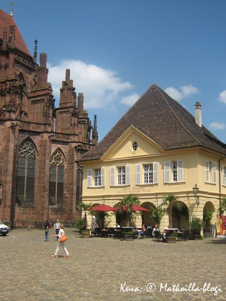 Freiburg: Münsterplatz. Kuva: © Matkoilla-blogi