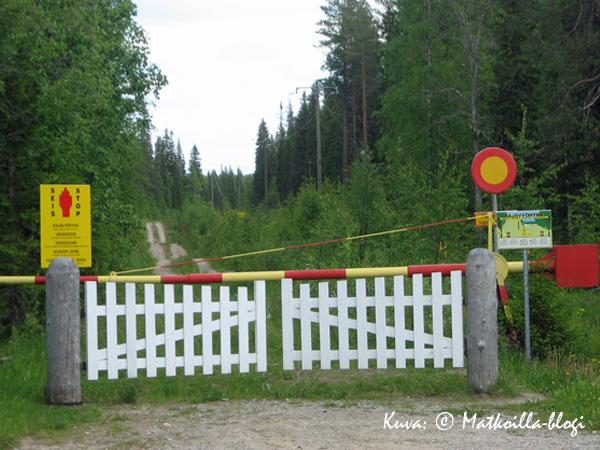 Raatteen tien rajaportti. Kuva: © Matkoilla-blogi