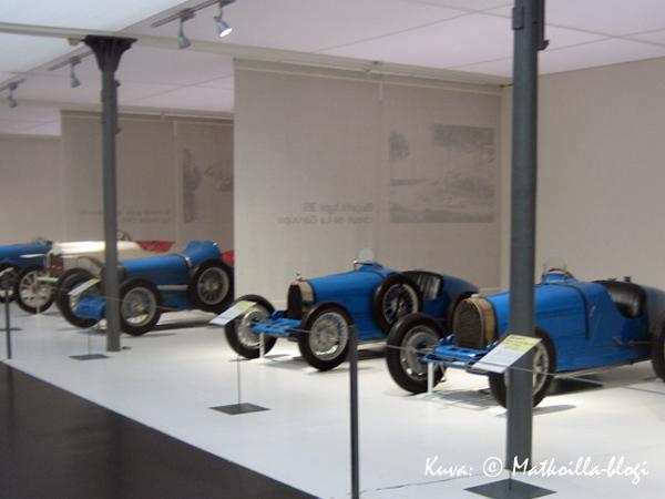 Kilpa-autoja, mallia vanhempaa... Kuva: © Matkoilla-blogi