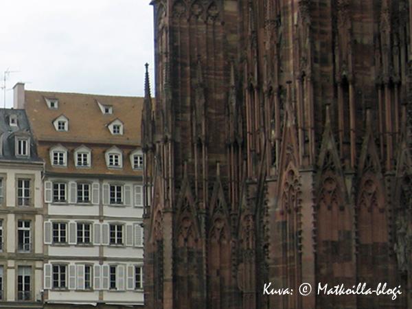 Strasbourgin Punainen Katedraali. Kuva: © Matkoilla-blogi