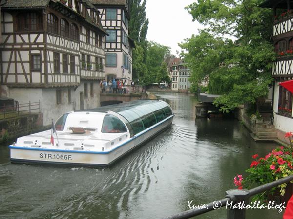 Petite Francen kapeilla kanavailla voi tehdä myös risteilyn. Kuva: © Matkoilla-blogi