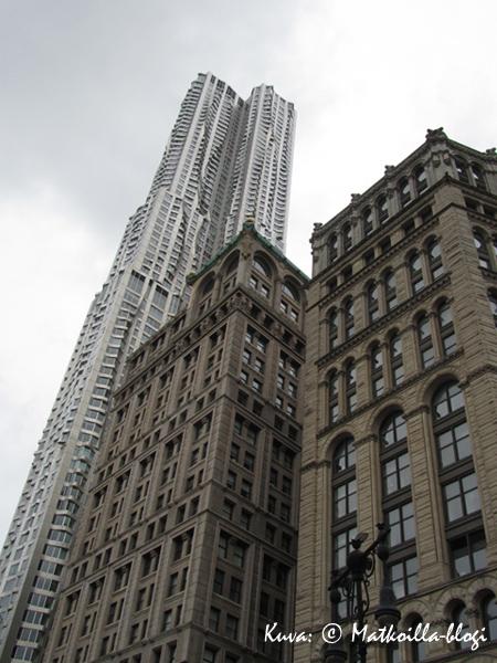 Arkkitehti Frank Gehryn suunnittelema Beekman Tower, 8 Spruce Street. Kuva: © Matkoilla-blogi