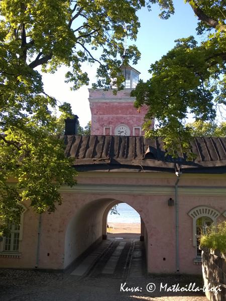Suomenlinna, Rantakasarmi. Kuva: © Matkoilla-blogi