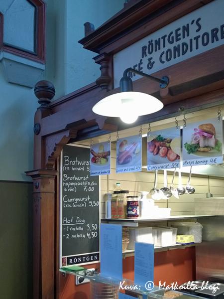 Conditorei & Café Röntgen tarjoaa sekä suolaisia että makeita (saksalaistyyppisiä) herkkuja. Kuva: © Matkoilla-blogi