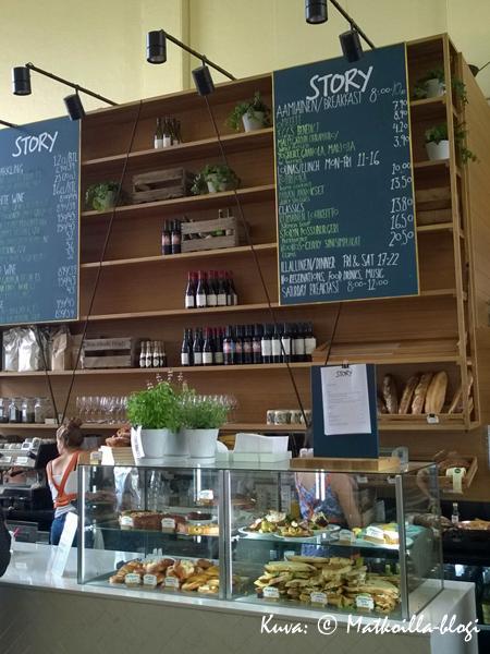 Kauppahallin keskellä on nykyään ravintola Story. Kuva: © Matkoilla-blogi