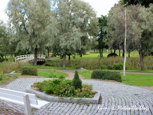 Puistonäkymiä Loviisasta. Kuva: © Matkoilla-blogi