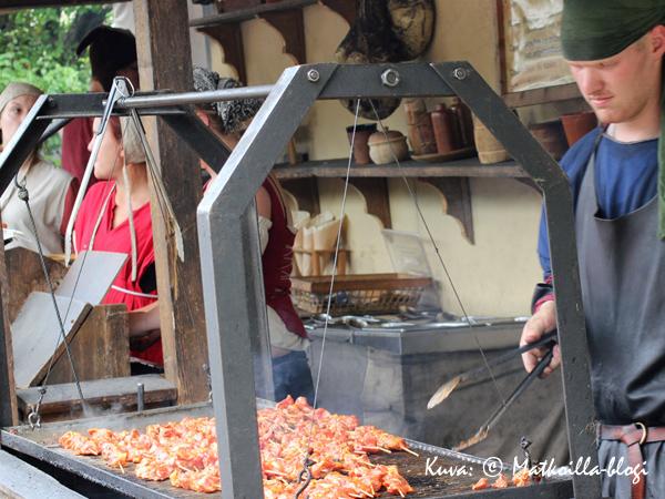Monenlaista ruokaa. Kuva: © Matkoilla-blogi