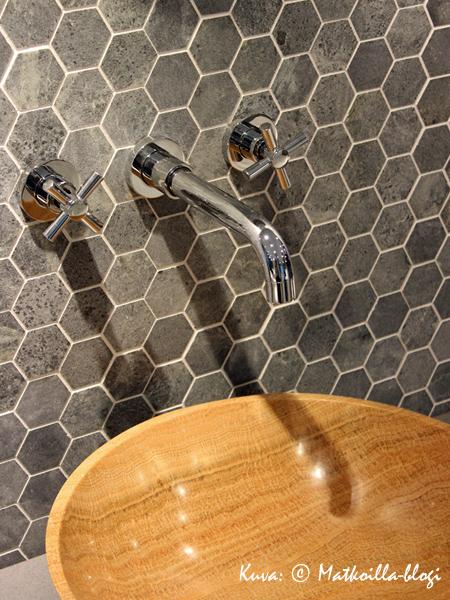 Kuusikulmalaattojen paluu. Kuva: © Matkoilla-blogi