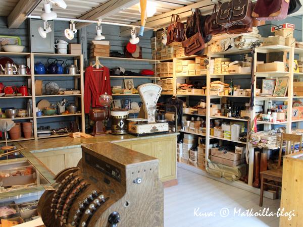 Kaupunginmuseon piharakennuksessa sijaitsee kauppapuotimuseo. Kuva: © Matkoilla-blogi
