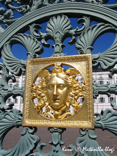Palazzo Realen portti Torinossa. Kuva: © Matkoilla-blogi