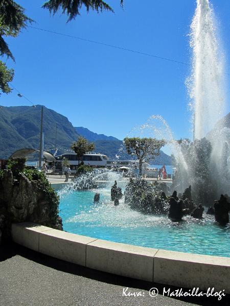 Luganon keskustan kukkalaatikoiden rehevyyttä ei voinut kuin ihailla. Kuva: © Matkoilla-blogi