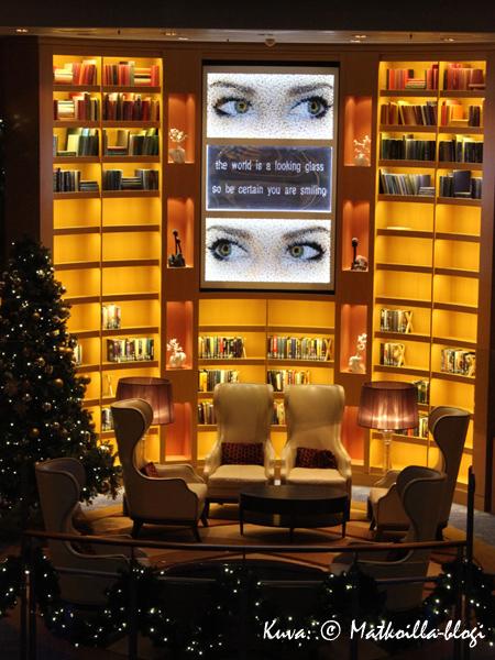 Kirjasto. Kuva: © Matkoilla-blogi
