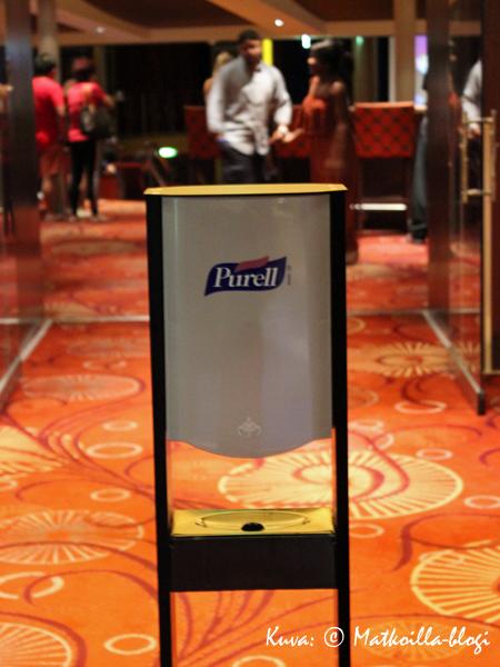 Mr Purell tuli viikon aikana tutuksi - käsidesiä oli tarjolla melkein joka ovella ja nurkassa yleisissä tiloissa. Kuva: © Matkoilla-blogi