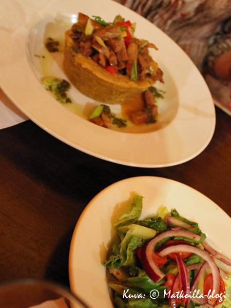 Illalliseksi maistoimme Puerto Ricon erikoisuutta, Mofongoa. Kuva: © Matkoilla-blogi