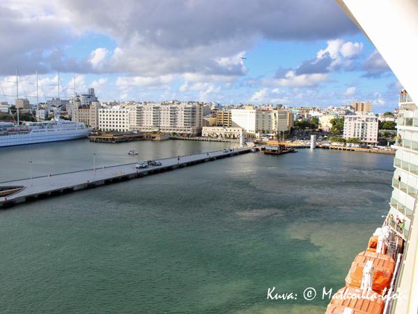 San Juanin satamaan tultiin hitaasti hiipien.... Kuva: © Matkoilla-blogi