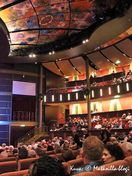 Reflection Theatre - teatterisalonki n. 500 katsojalle. Kuva: © Matkoilla-blogi