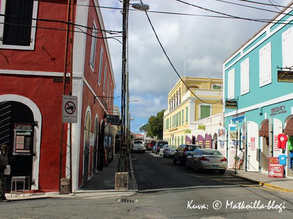 Dronninges Gade - Charlotte Amalie, St. Thomas. Kuva: © Matkoilla-blogi