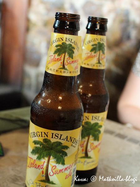 Karibialla paikallista! Kuva: © Matkoilla-blogi