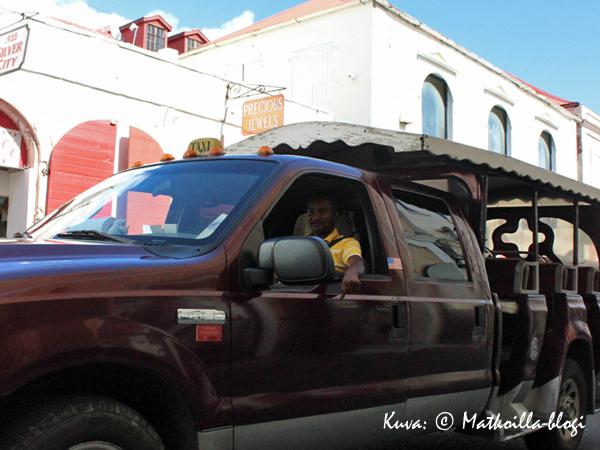 St. Thomasin ovettomissa takseissa ilmastointi toimii luonnonmukaisesti. Kuva: © Matkoilla-blogi