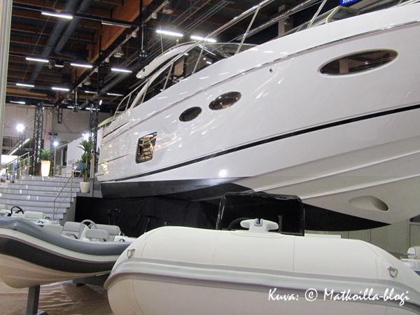 Vene2015-messut - veneitä kaikissa kokoluokissa. Kuva: © Matkoilla-blogi