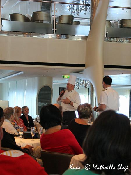 Myös keittiöpäällikkö Thomas Stellbrink oli tietenkin paikalla... Kuva: © Matkoilla-blogi