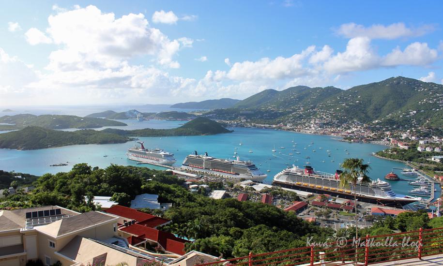 Näkymä Charlotte Amalien yli Paradise Pointilta. Kuva: © Matkoilla-blogi