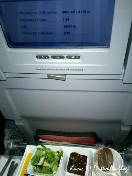 Lufthansan A380, Economypaikka. Kuva: © Matkoilla-blogi