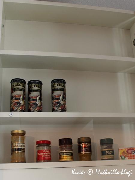 Asuntomessut 2015: Kasarikodin keittiön maustehyllyssä oli tilaa lisäpurkeille. Kuva: © Matkoilla-blogi