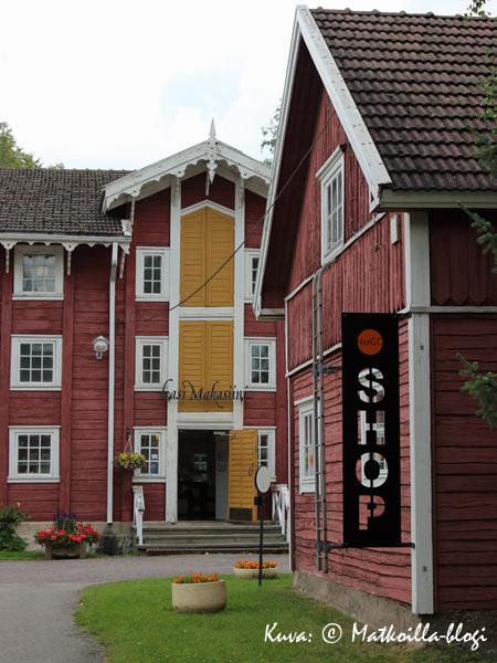 Suomen vanhin lasitehdas on lopettanut toimintansa, mutta miljöö on onneksi säilynyt. Kuva: © Matkoilla-blogi
