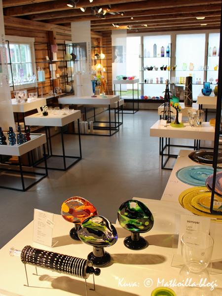 NuGO Shop on kymmenen lasitaiteilijan yhteisnäyttely ja -myymälä. Kuva: © Matkoilla-blogi