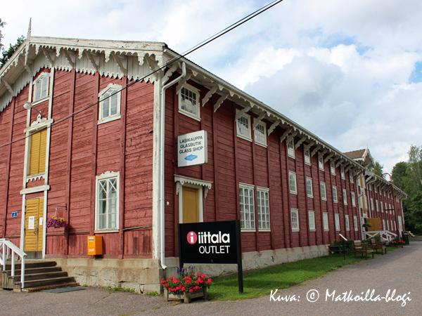 Lasimakasiinissa toimii Iittala Outlet - oman arvioni mukaan yksi Suomen suurimmista. Kuva: © Matkoilla-blogi