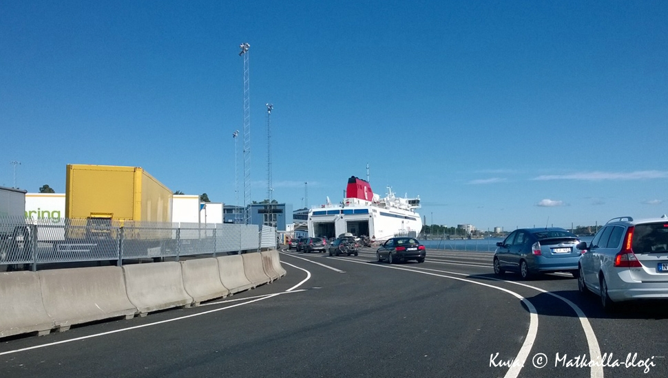 Laivaanajo Nynäshamnin satamassa; Gotlanti seuraava! Kuva: © Matkoilla-blogi