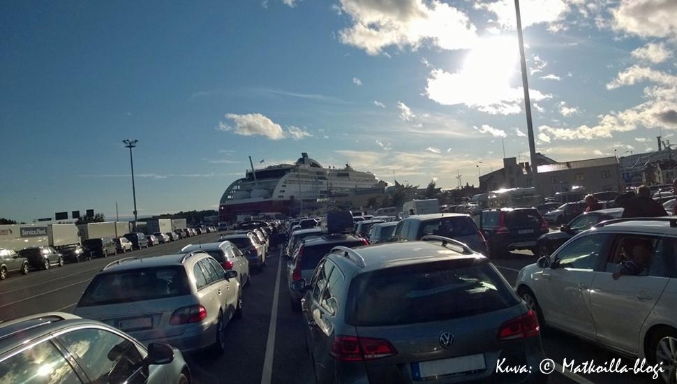 Lähtövalmiina Ruotsiin Turun satamassa. Kuva: © Matkoilla-blogi