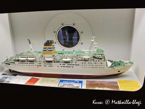 Bore Starin pienoismalli; alus liikennöi paitsi Suomen ja Ruotsin välillä aikoinaan myös risteilyliikenteessä Länsi-Afrikan rannikolla. Kuva: © Matkoilla-blogi
