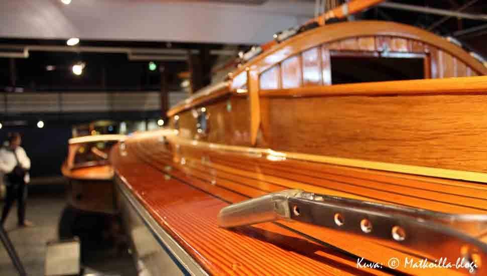 Forum Marinumissa on myös esillä laaja kokoelma puuveneitä. Kuva: © Matkoilla-blogi