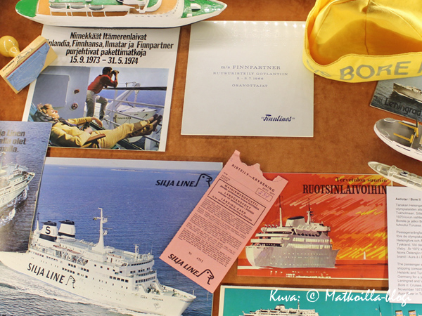 """Itse muistan hyvin esillä olleen vaaleanpunaisen maihinnousukortin, ja yläosan taxfree-osto-oikeuden merkkaavat """"puolikuut"""". Kuva: © Matkoilla-blogi"""