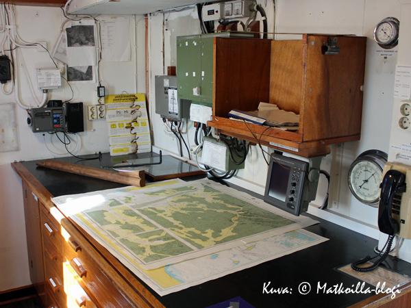 Komentosillan takahuoneen karttapöytä. Kuva: © Matkoilla-blogi