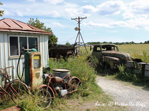 ...sekä polkupyöränrunkoja, jotka odottelevat entisöintiä. Kuva: © Matkoilla-blogi