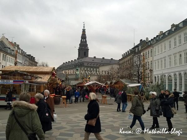 Höjbro_Plads_julmarknad_kuva-©-Matkoilla-blogi