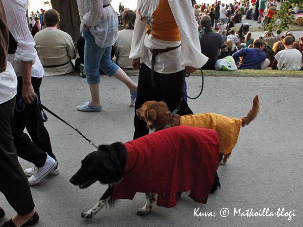 Keskiaikaviikolla kaikki pukeutuvat ajan henkeen.... Kuva: © Matkoilla-blogi