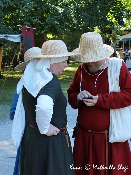 Joskus keskiaikainenkin ihminen tarvitsee appin apua markkinoilla. Kuva: © Matkoilla-blogi