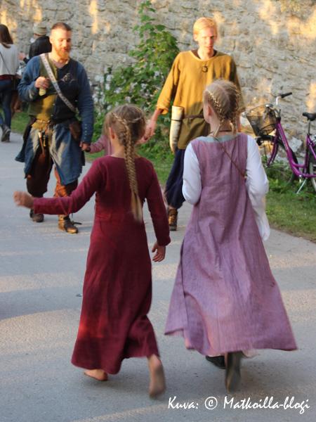 Keskiaikatytöt. Kuva: © Matkoilla-blogi