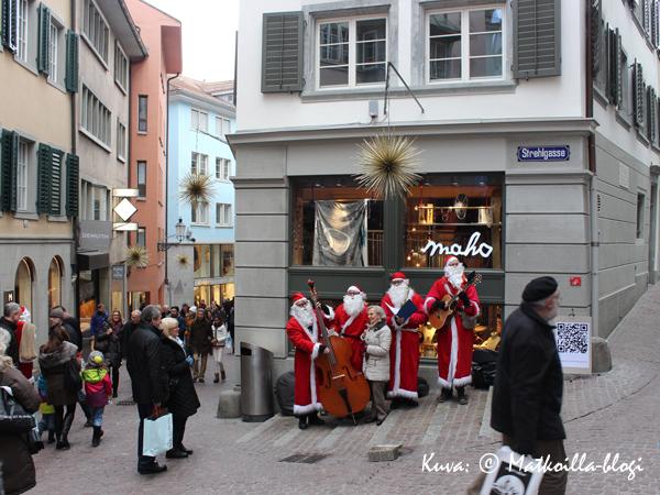 Zürich_joulupukkibändi_Kuva_©_Matkoilla-blogi