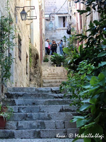 Vanhan kaupungin kujilla noustaan usein portaita. Kuva: © Matkoilla-blogi