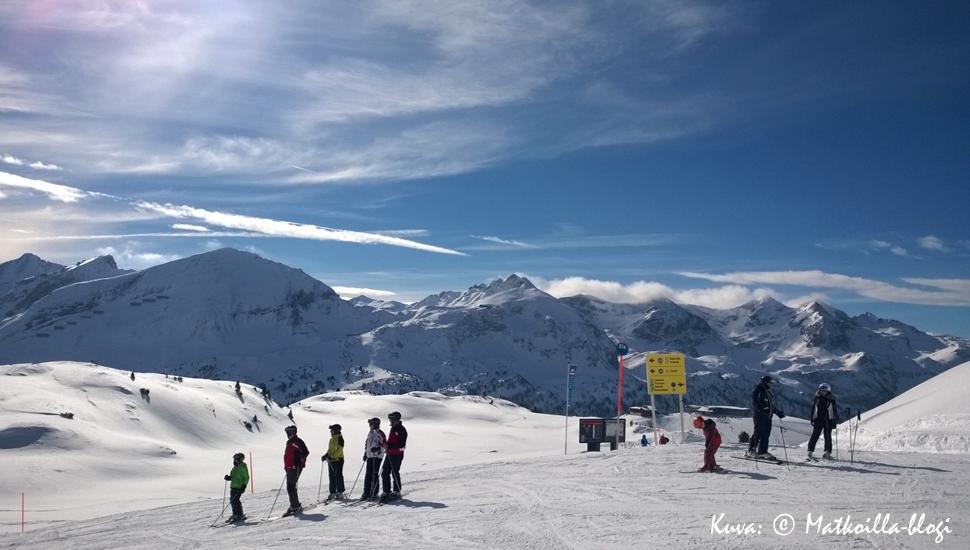 Aurinkoisia laskuja Itävallan Obertauernissa. Kuva: © Matkoilla-blogi