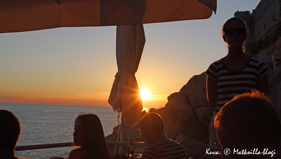 Auringonlasku Buza Barissa, Dubrovnikissa. Kuva: © Matkoilla-blogi